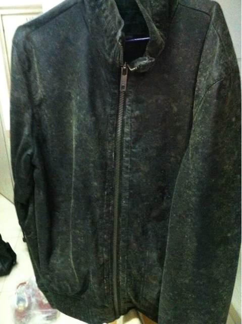 衣服发霉如何处理-抗菌剂/防霉剂/干燥剂/防霉片厂家批发
