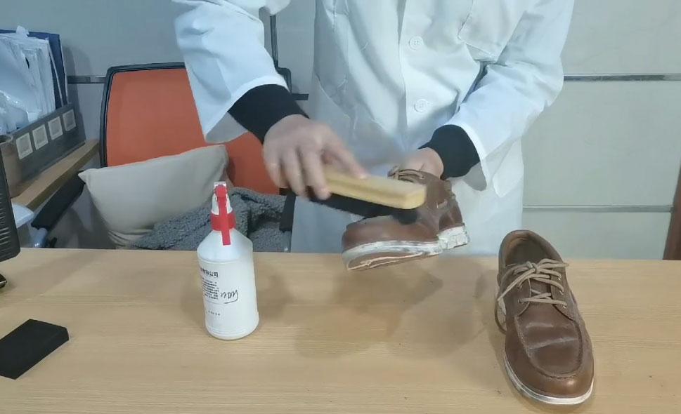 帆布鞋皮革鞋子发霉怎么处理-抗菌剂/防霉剂/干燥剂/防霉片厂家批发