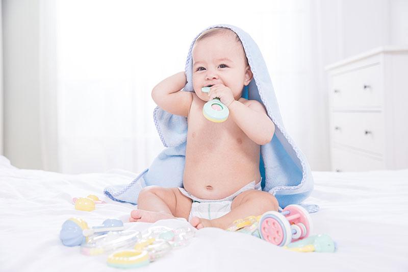 选择硅胶玩具时应该买抗菌玩具吗-抗菌剂/防霉剂/干燥剂/防霉片厂家批发